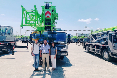 Mongolia Client Visited ZOOMLION Factory